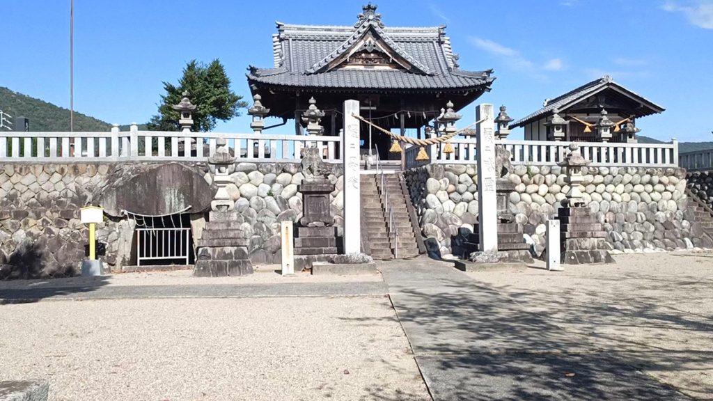 二ノ宮神社と二ノ宮神社古墳