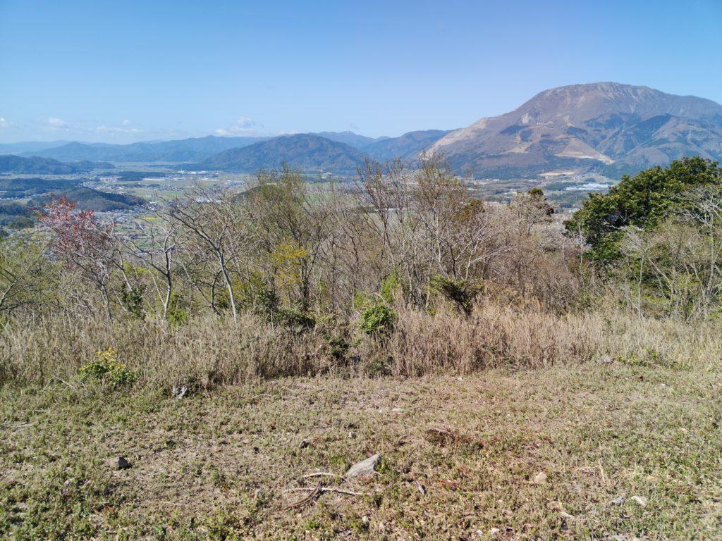 琵琶湖と伊吹山を臨む