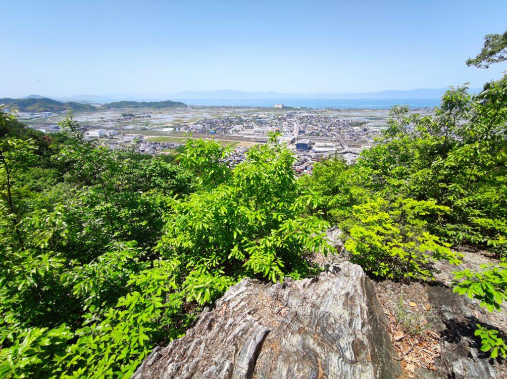 太尾山城盗人岩からの展望