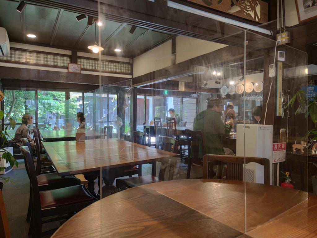 café du MBFの内部