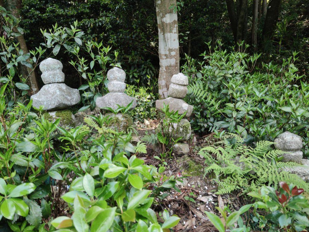 土田城跡の五輪塔