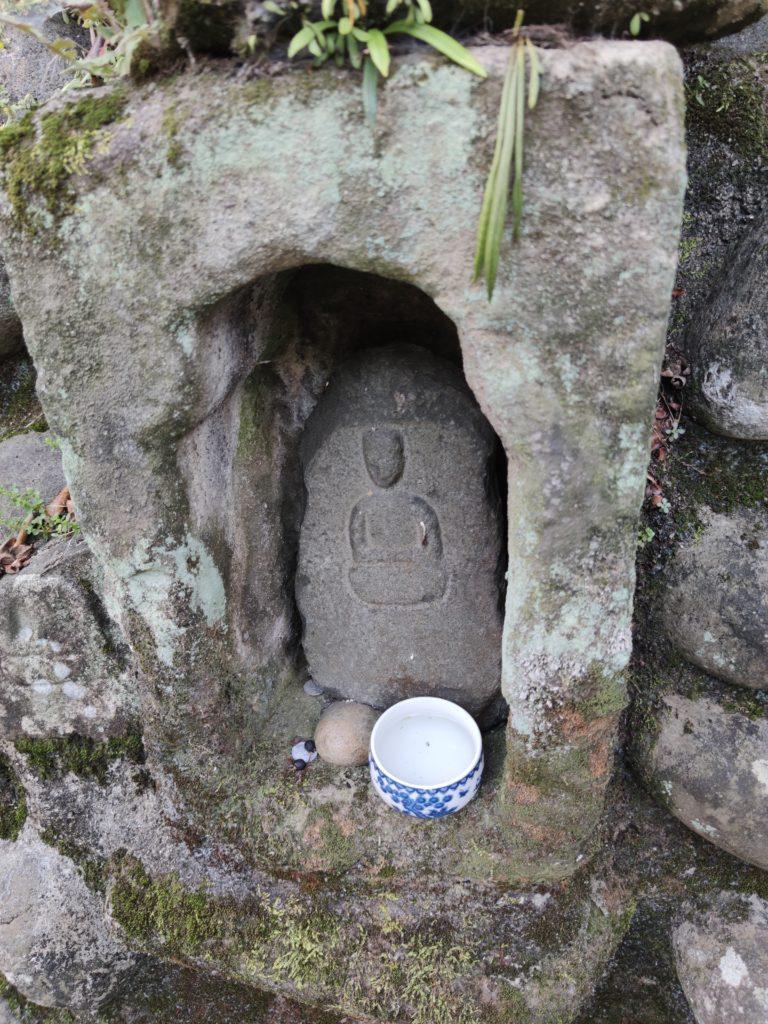 桜井の泉の石仏