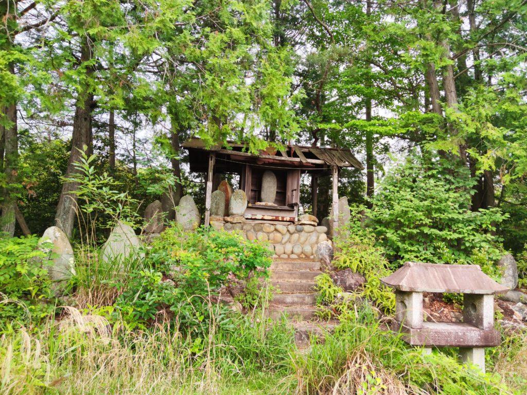 東之宮古墳の御嶽神社