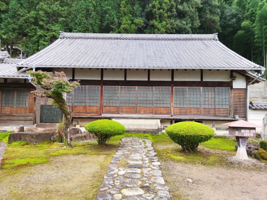 可成寺本堂