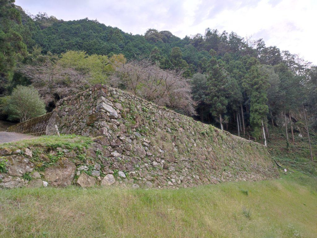 美濃金山城米蔵跡の石垣